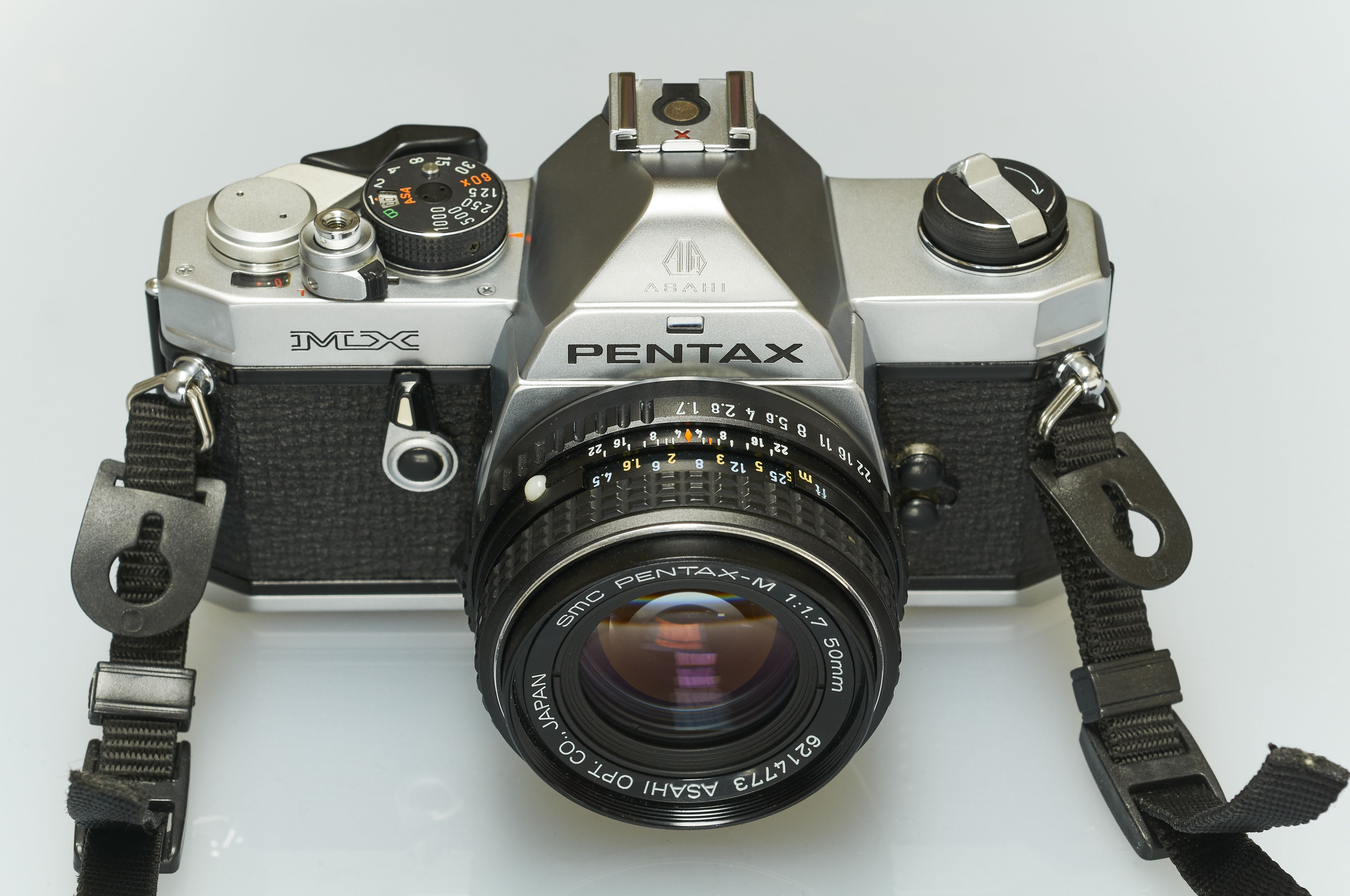 How to use a pentax k-1000 35mm film camera youtube.