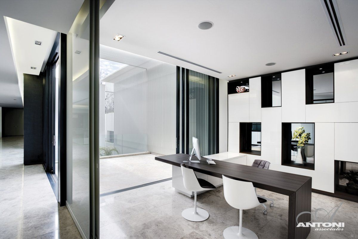 Workspace Ideas at U shaped House Design by SAOTA and Antoni ...