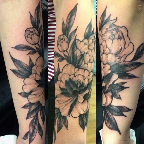 Stunning peonies by tattoo artist Nhia Yang.