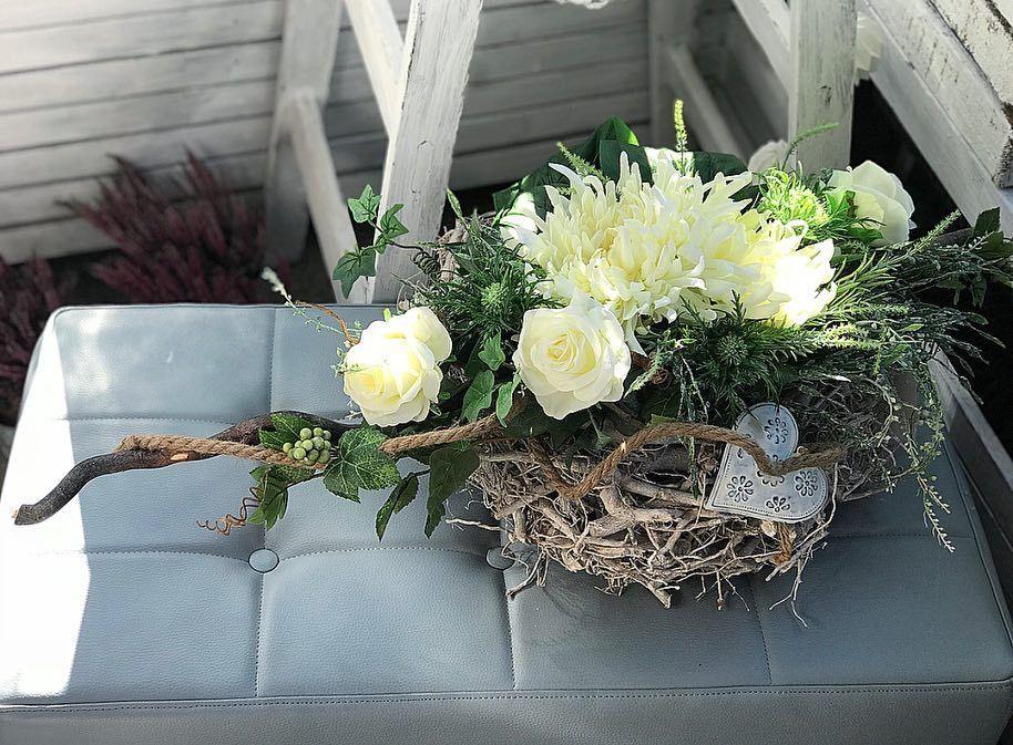 Wszystkich Swietych 2018 R Czarny Tulipan Wszystkichswietych 2018 Kompozycje Kwiatowe Kompozycjenagrobne 1listop Grapevine Wreath Floral Wreath Floral