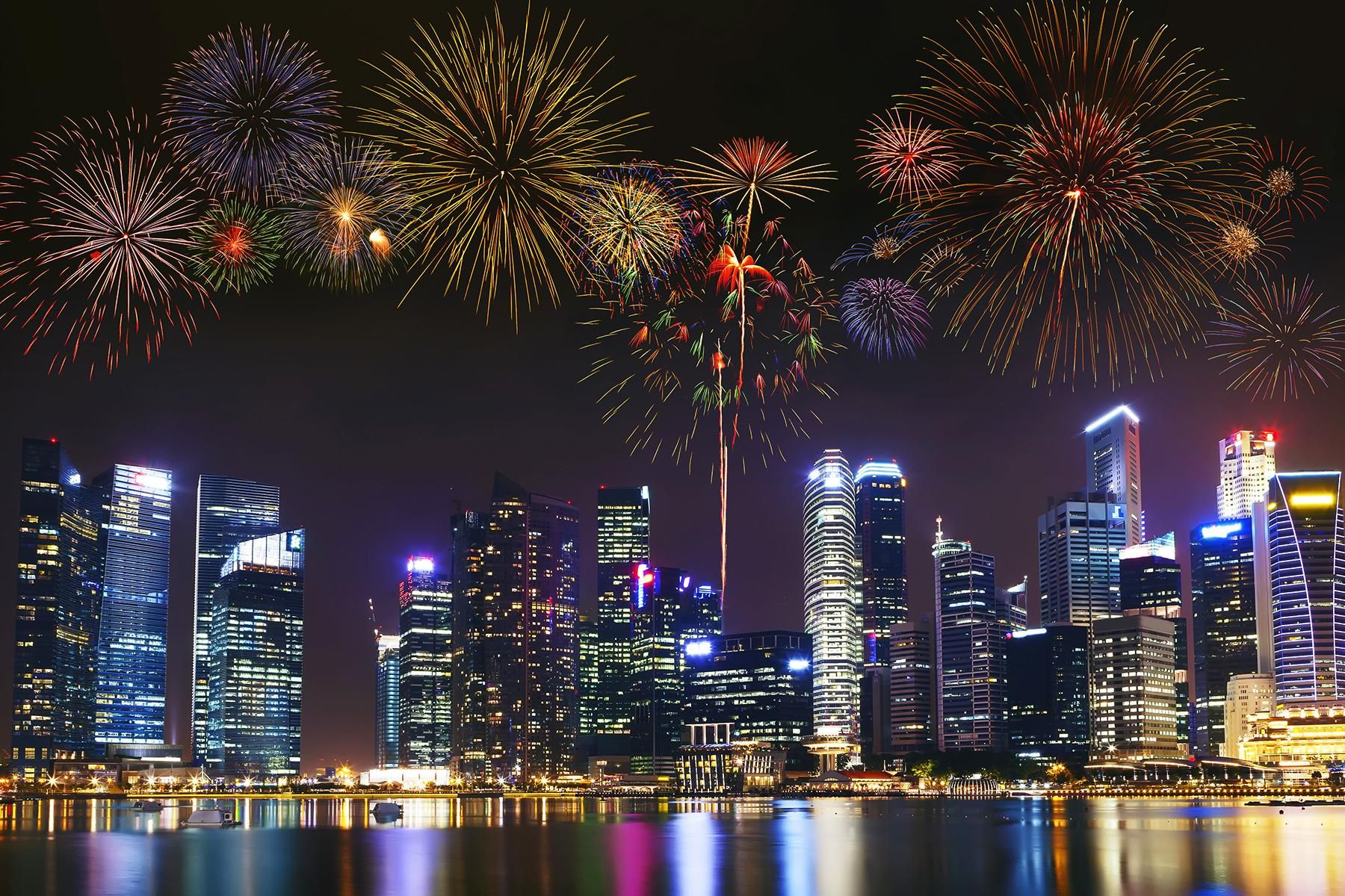 The World S 10 Best New Year S Eve Firework Shows New York New Years Eve New Year Fireworks Fireworks Show