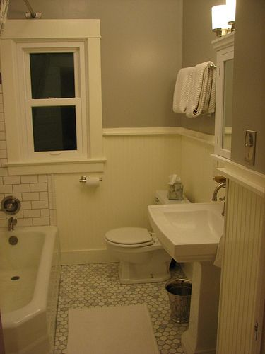 Subway Tile With Dark Grout And Beadboard Wainscoting Part 20