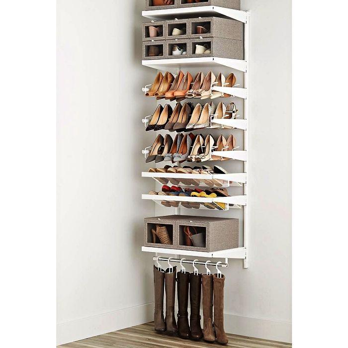 1001 + idées pour aménager un dressing à chaussures | Porte chaussures mural, Rangement ...