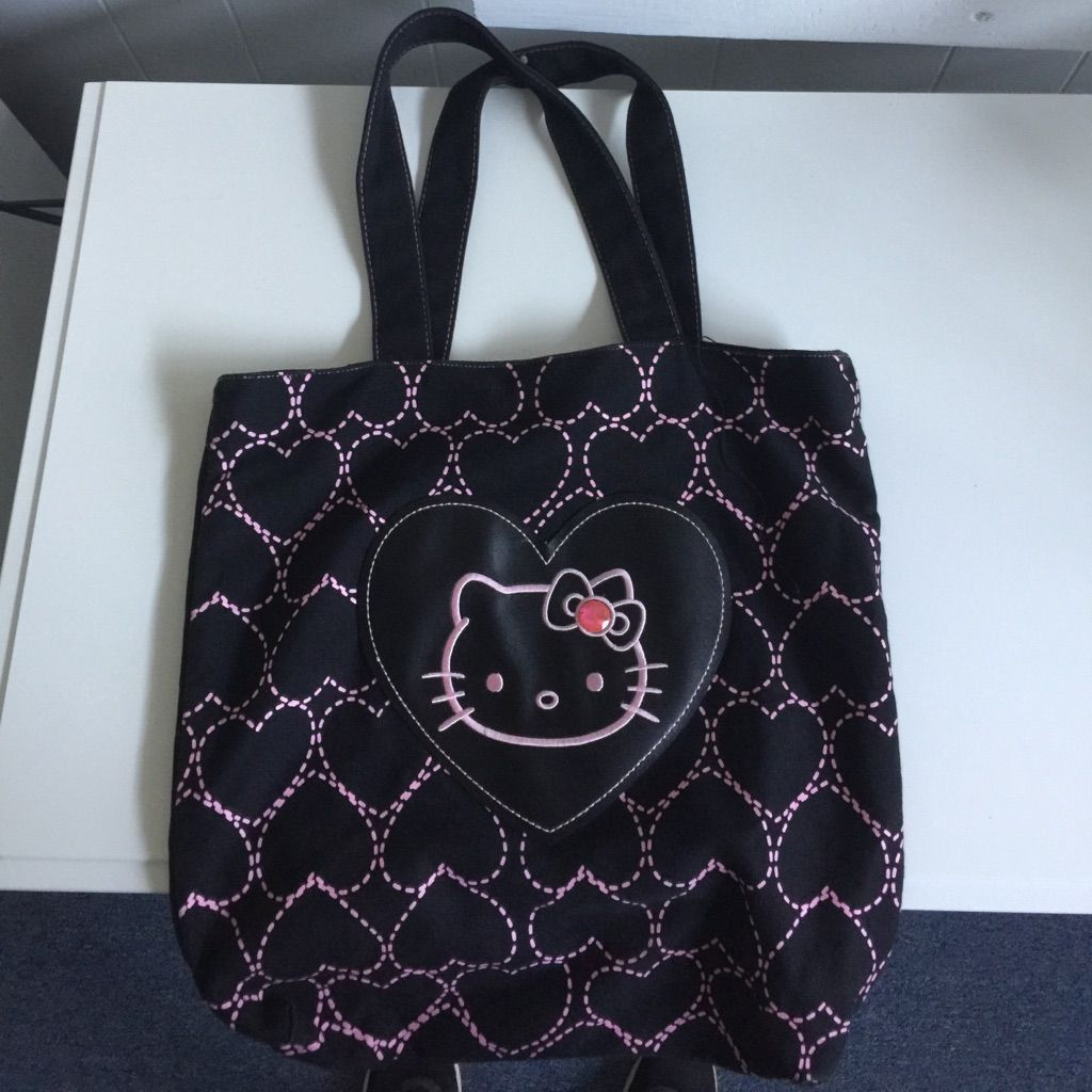 ff033eda25c Hello Kitty Bag!   Hello kitty, Kitty and Products