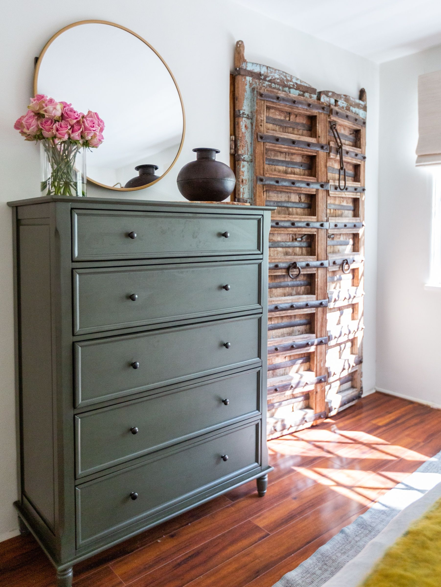 Becca Tobin Los Angeles Home Tour Photos Dresser Decor Tall Dresser Decor Shabby Chic Furniture [ 2400 x 1803 Pixel ]