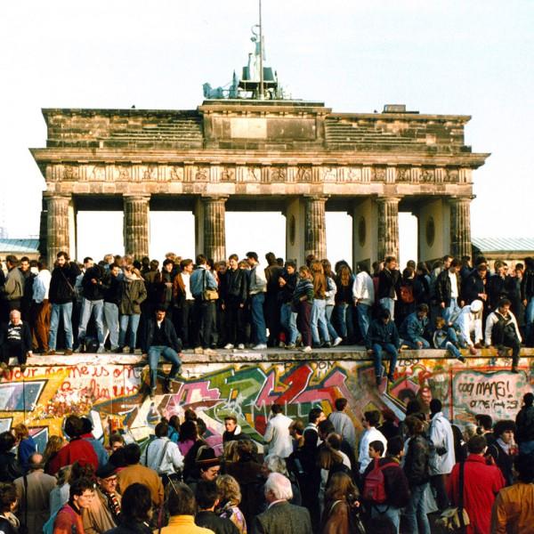 Welche Dieser Behauptungen Ist Zutreffend Lernecke In 2020 Deutsche Einheit Berlin 30 Jahre Mauerfall