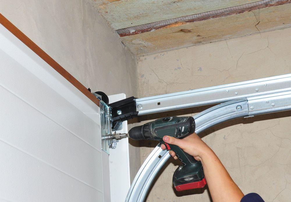 Weather That Can Damage Your Garage Door In Bakersfield Ca Door Repair Garage Doors Commercial Garage Doors
