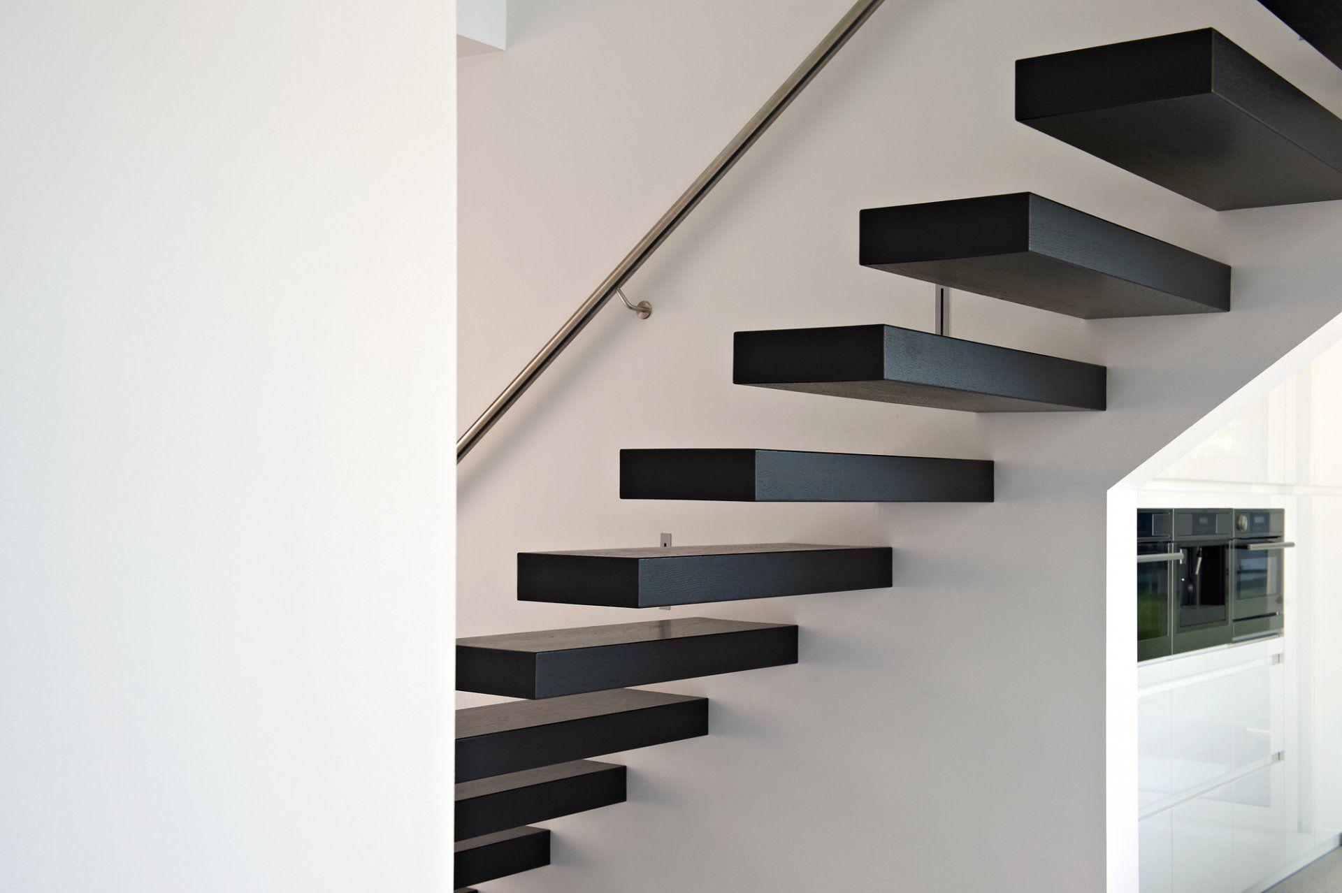 Zwevende Trap Kosten : Zwevende trap met leuning in inox trappen stairs