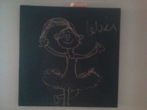 Painted a old canvas with #chalkboard paint , now we draw a different pic daily ... Kids lovvve it !