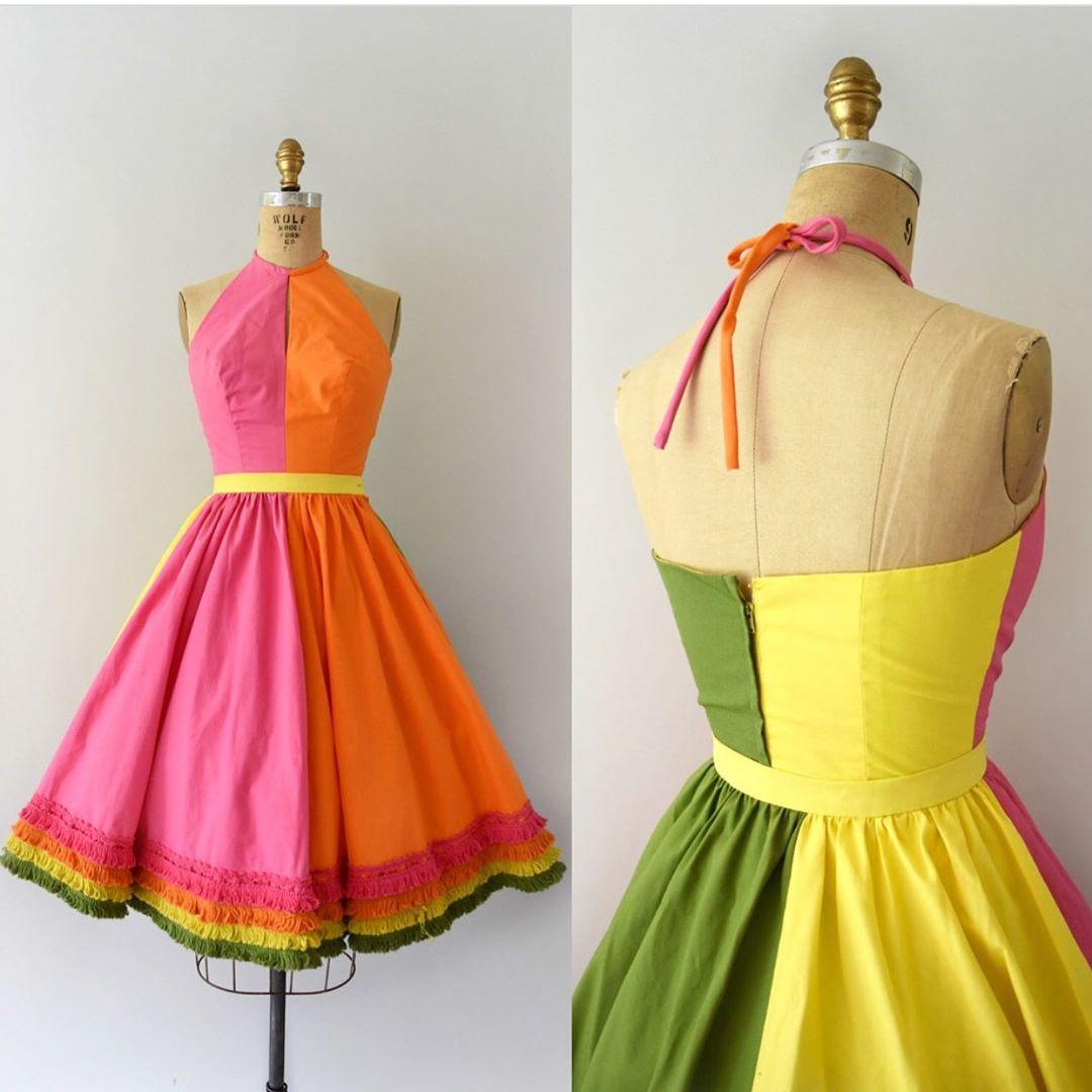 Gefallt 408 Mal 9 Kommentare Sweet Bee Finds Sweetbeefinds Auf Instagram Sold 1950s Vintage Sundress Set Bright Vintage Dresses 50s Dresses Fashion