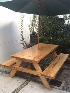 mesa de jardin de madera viva