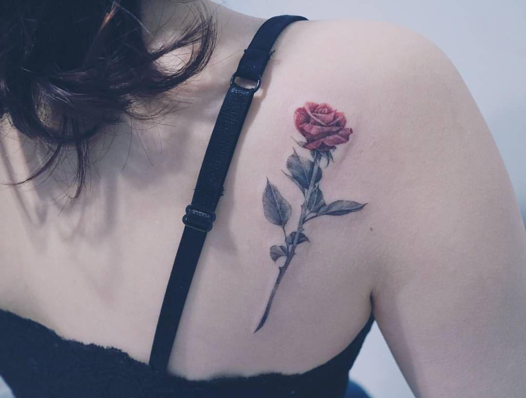 Rose Tattoo On The Shoulder Blade Upper Back Tattoos Tattoos
