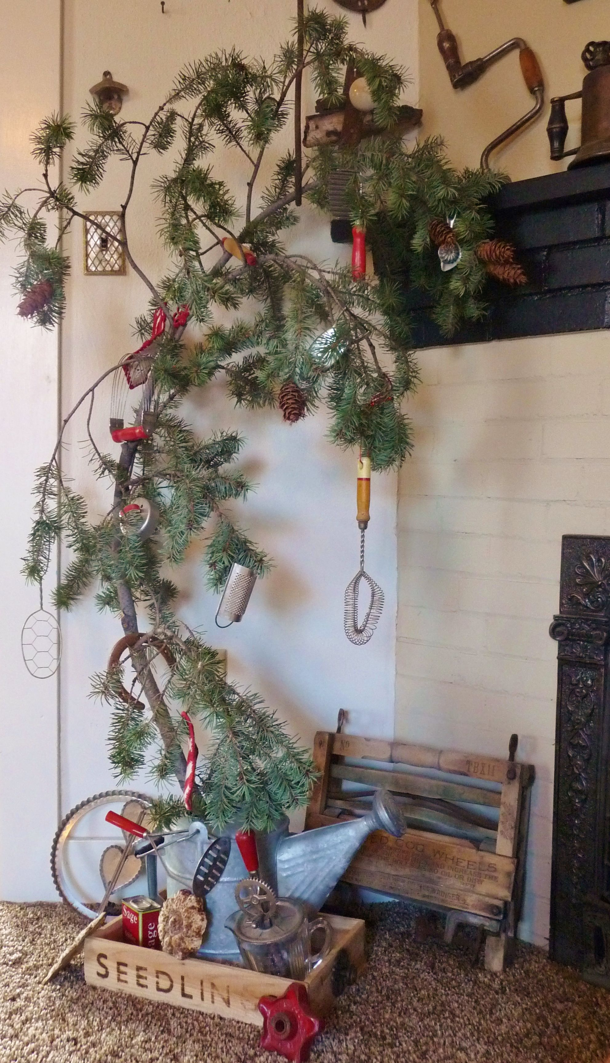 Country Kitchen Tree