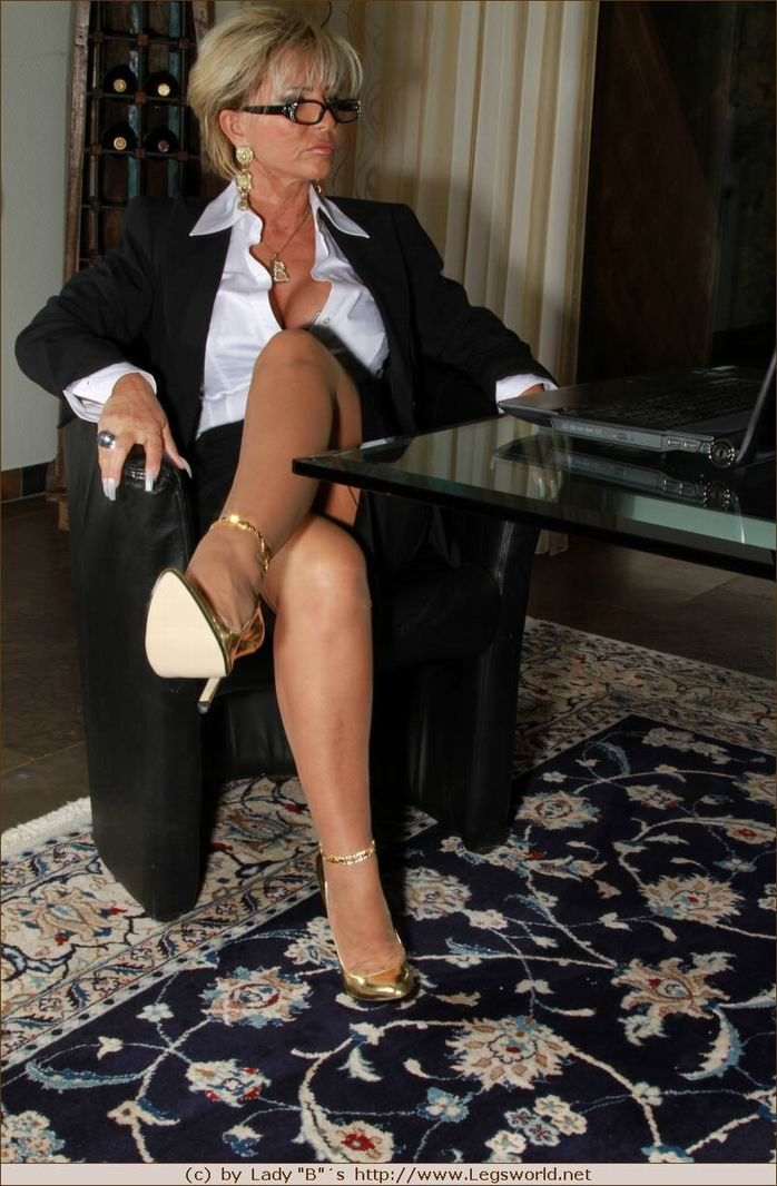 Hot mature lady barbara