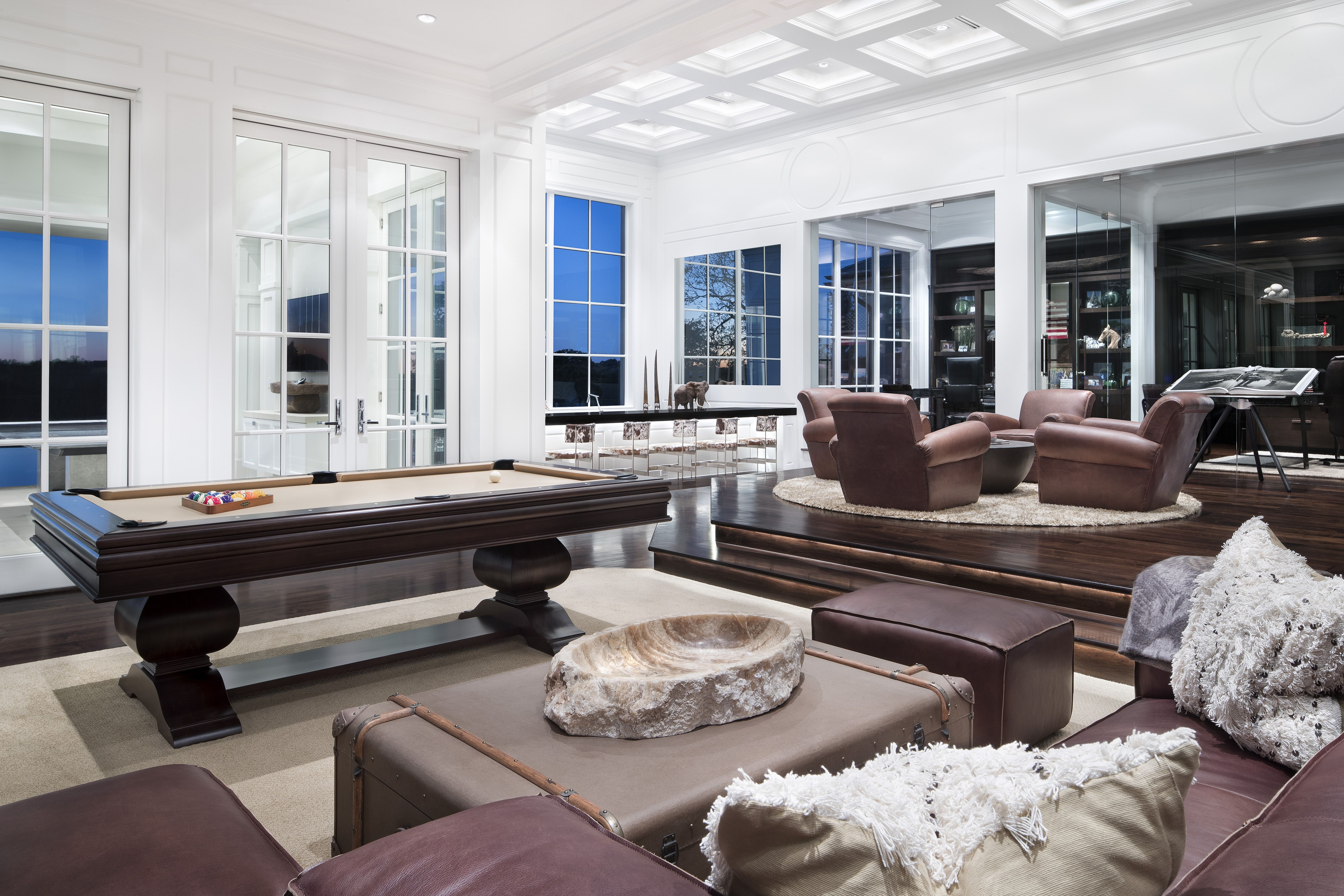 Watch Elegance in Texas at the Southlake Residence by Jauregui Architects video