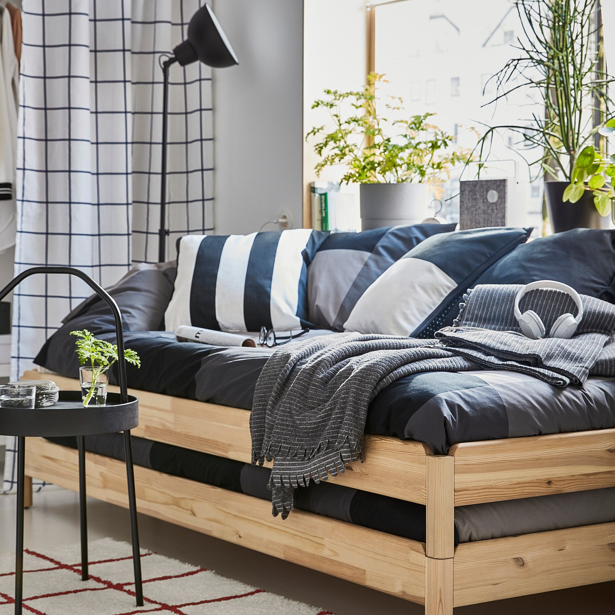 Utaker Stapelbaar Bed Met 2 Matrassen Grenen Husvika Stevig 80x200 Cm Ikea In 2020 Dorm Room Furniture Spare Bed Furniture For Small Spaces