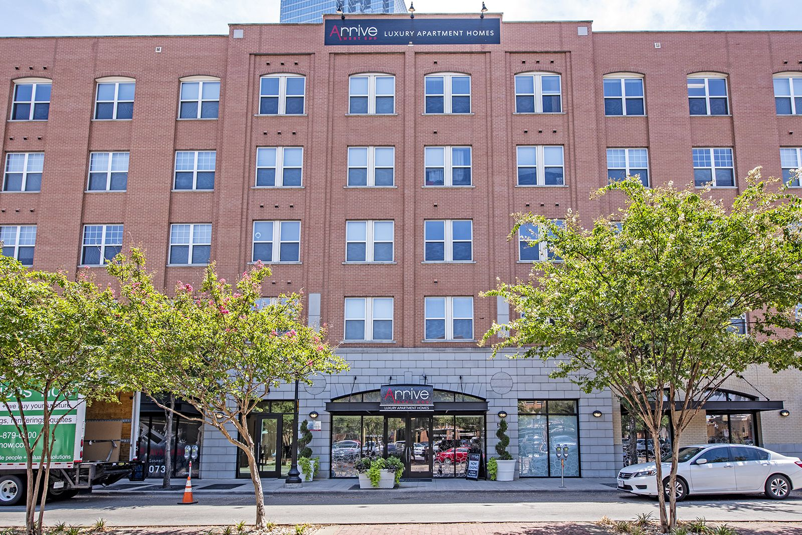 Welcome To The Westend Of Dallas Texas Where You Ll Discover A Wide Variety Of Shops Restaurants And Ent Philadelphia Apartment West End Dallas Apartment