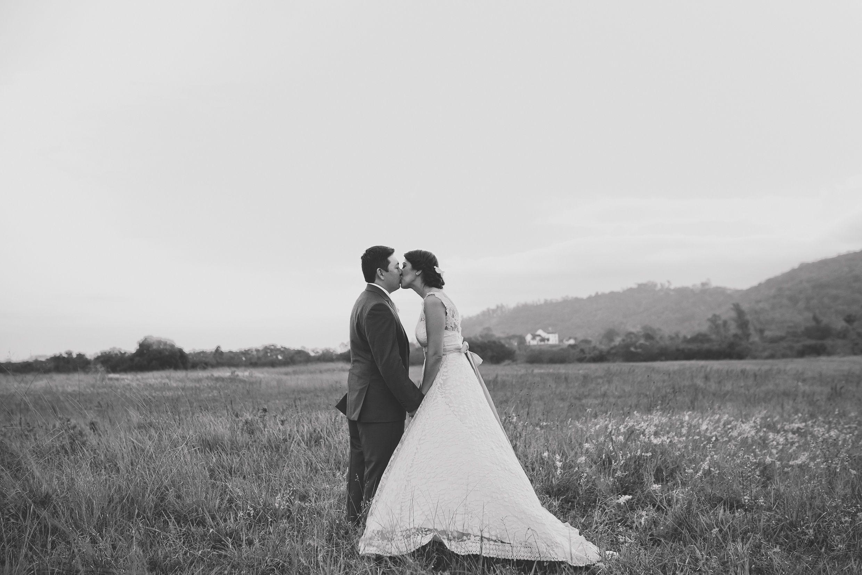 REAL BRIDE { Flávia + Andre } | ECO-Rustic AUDREY HEPBURN wedding ...