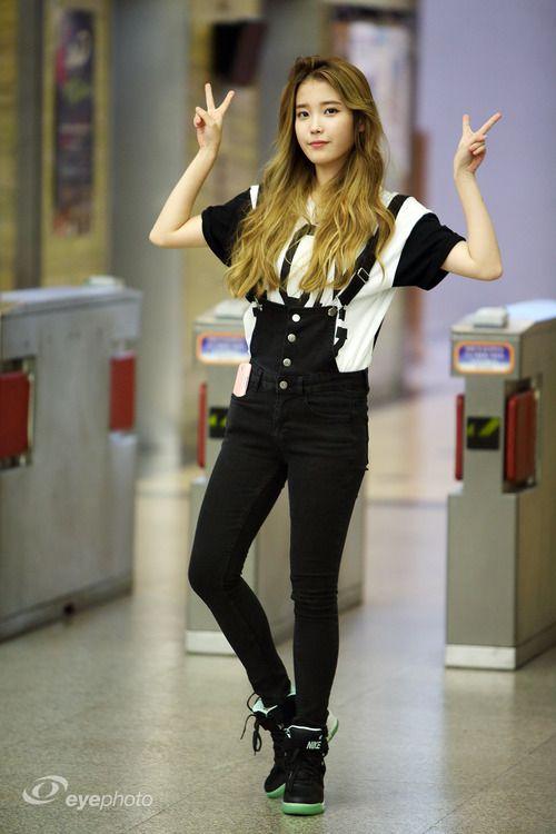d75afe49ca85 IU aka Lee Ji-Eun (singer   actress) Kpop Fashion