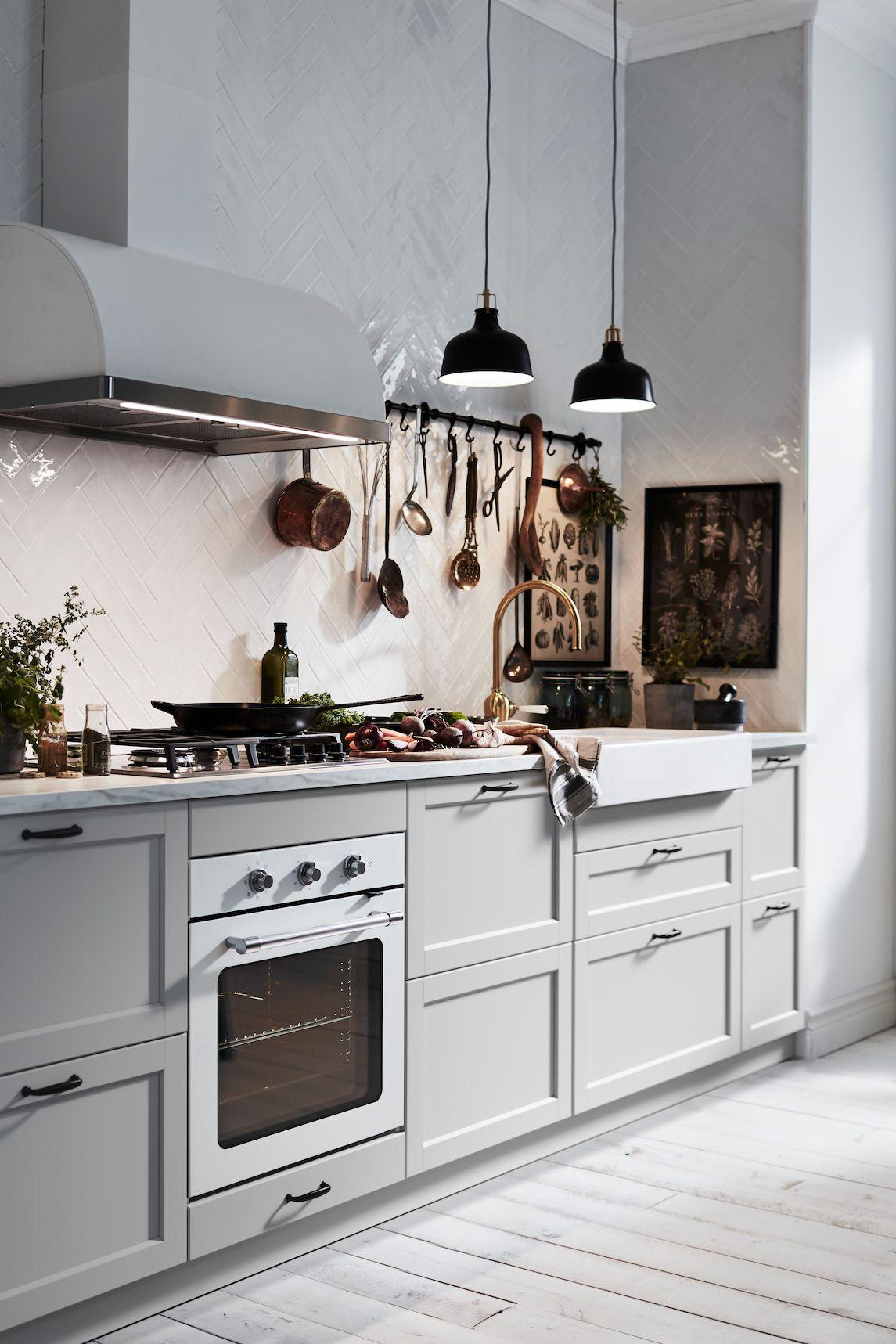 Küche in Hellgrau: charmant & schlicht