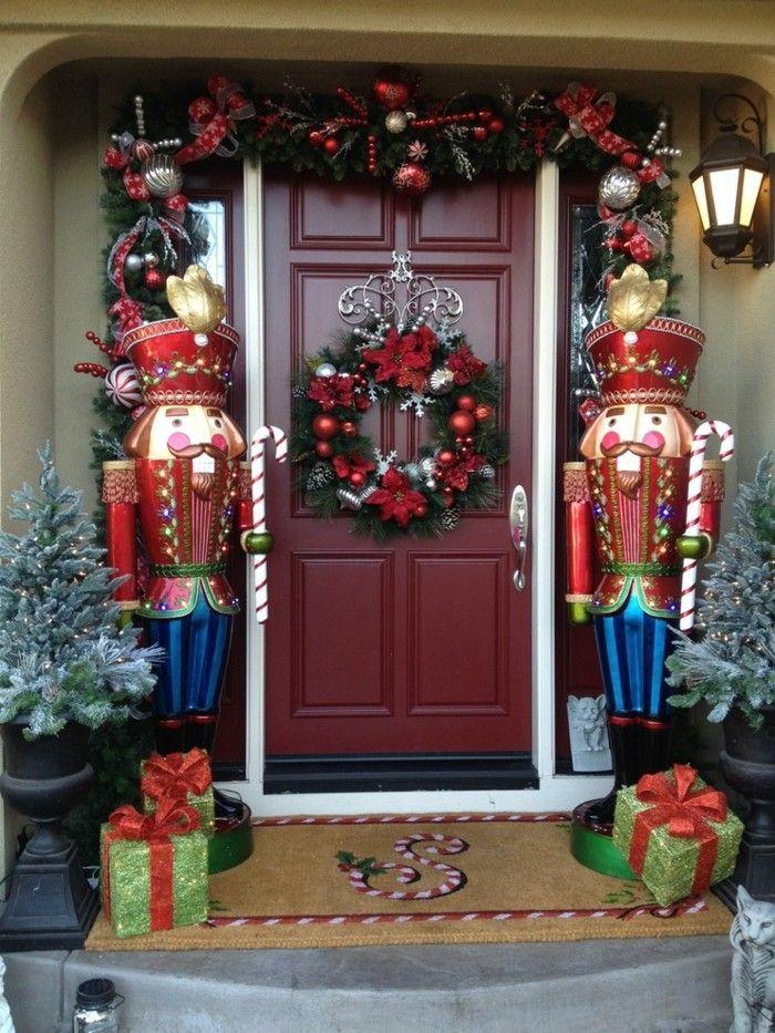 Adornos navide os r sticos para exterior 50 ideas for Disenos navidenos para decorar puertas