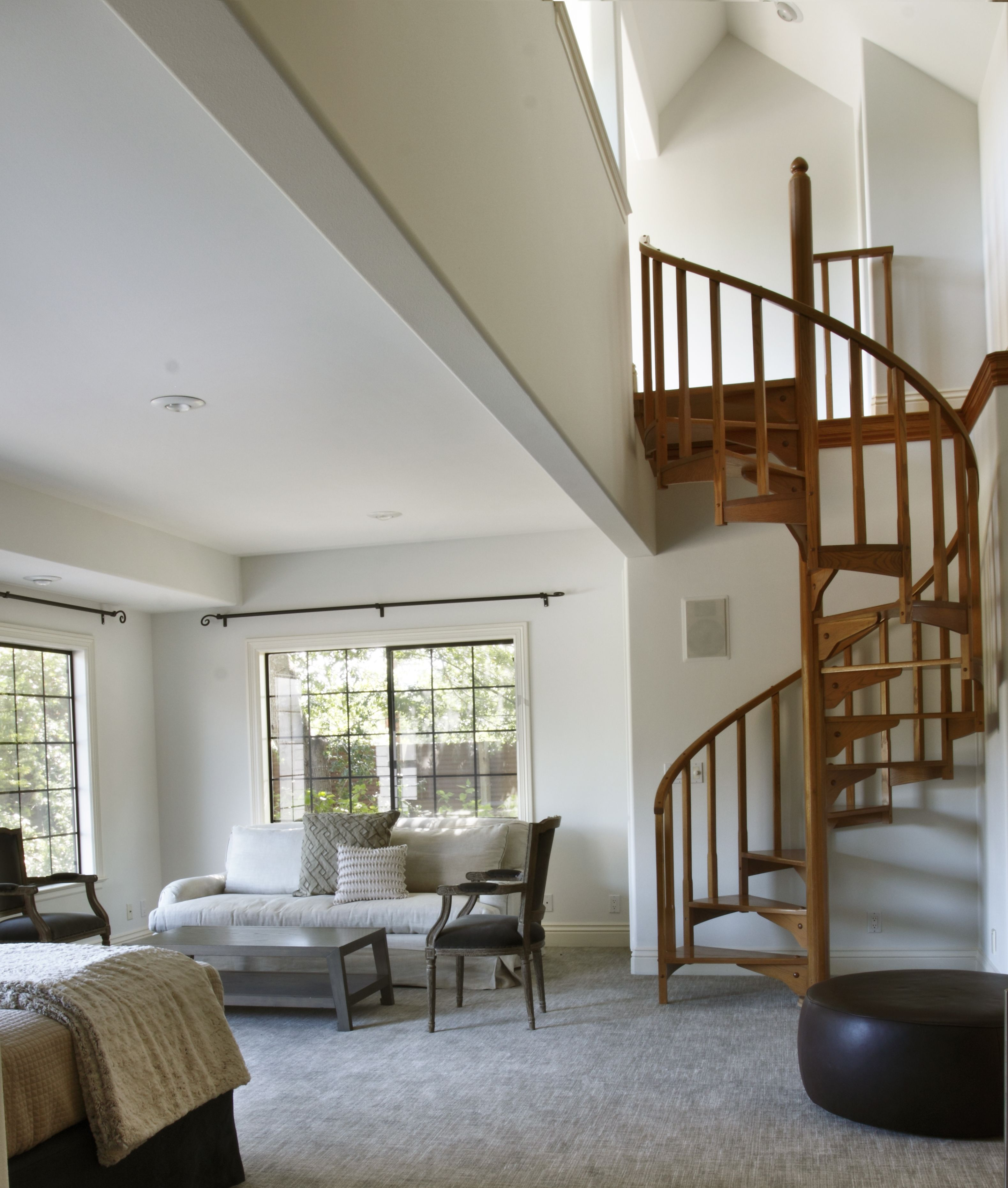 Best Spiral Staircase Leading Up To Loft In Master Bedroom 640 x 480