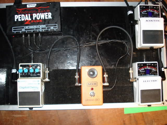 zoom on the settings of dave grohl 2011 pedalboard boss dd 3 digital delay mxr phase 90 2 tu. Black Bedroom Furniture Sets. Home Design Ideas