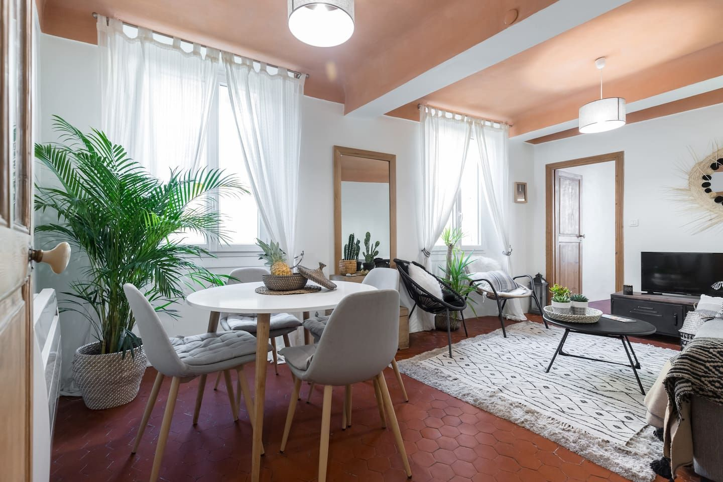 Charming 2 bedrooms in the Nice old town Apartments for ...