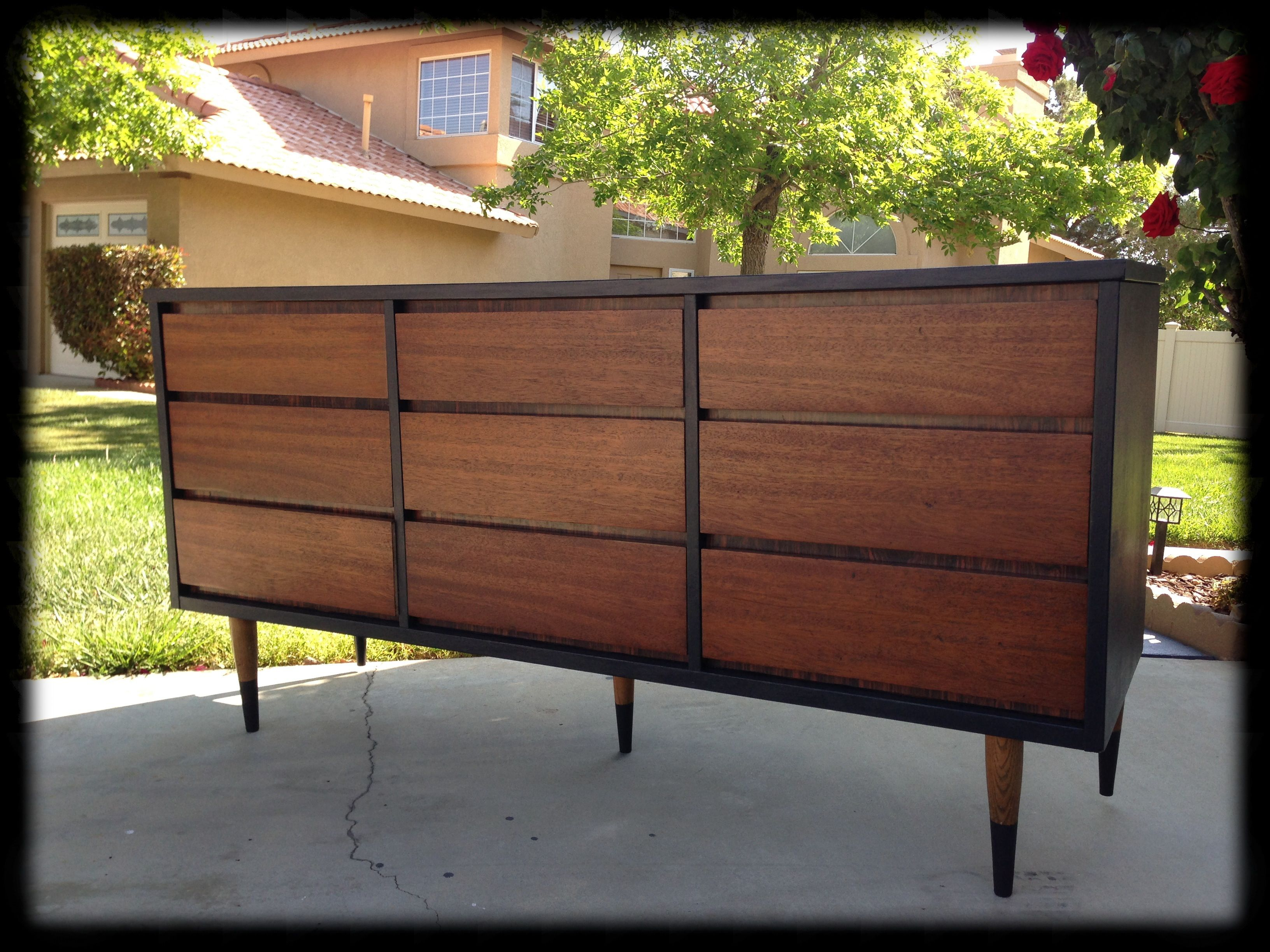 Best Black And Mahogany Mid Century Dresser With Dipped Legs 640 x 480