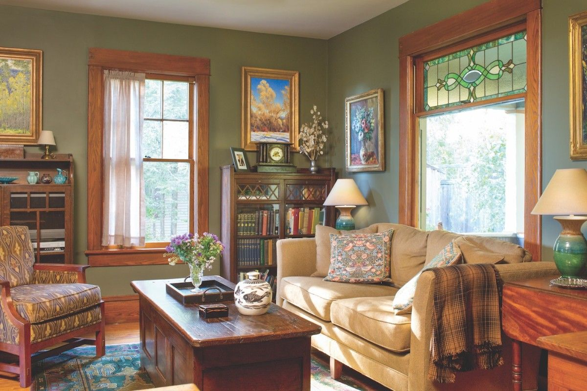 Old New York Cottage Gets An Arts Crafts Interior Old House Journal Magazine Arts And Crafts Interior Arts And Crafts House Arts And Crafts Interiors