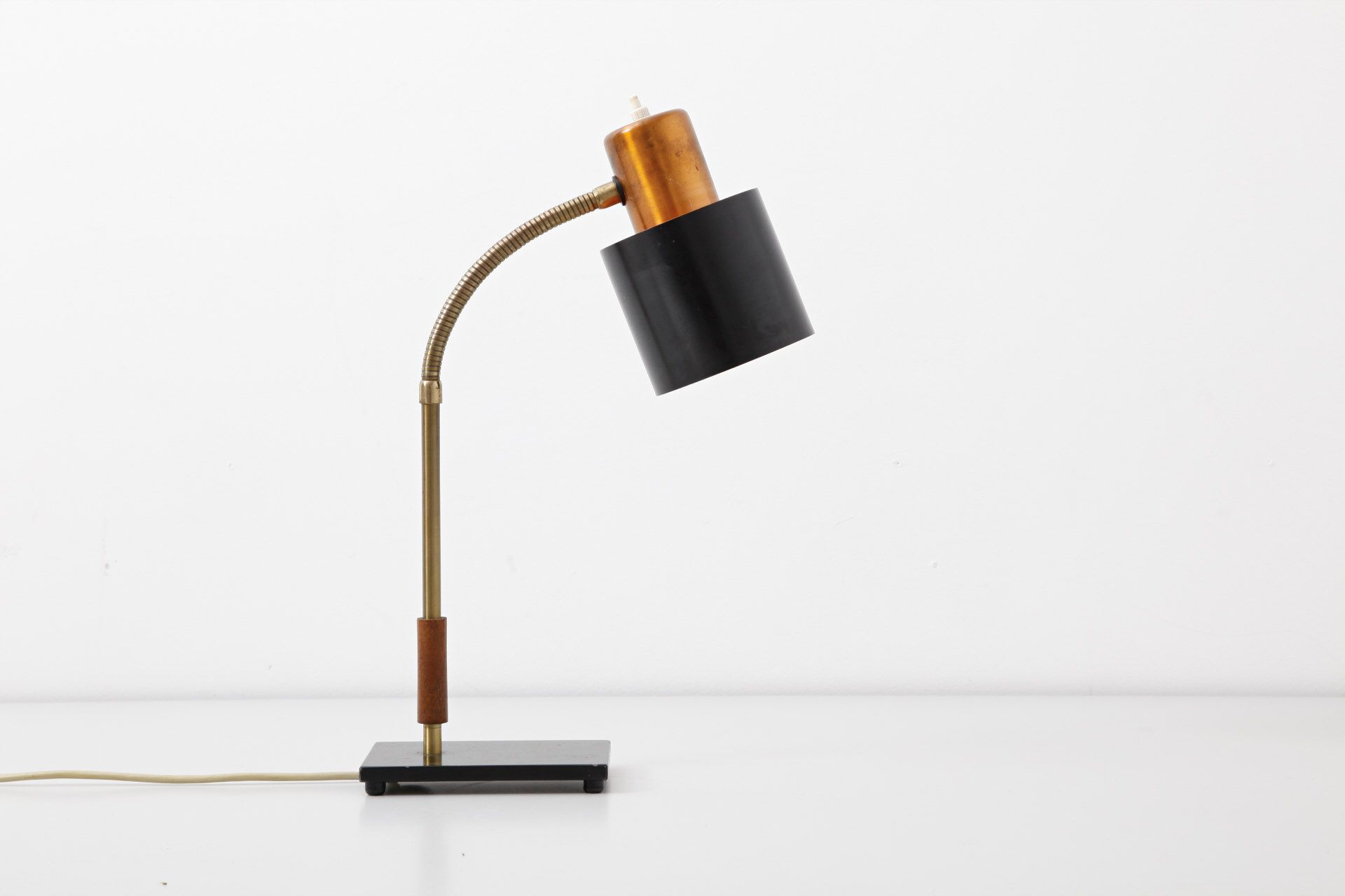 Beta table lamp u jo hammerborg modestfurniture lighting