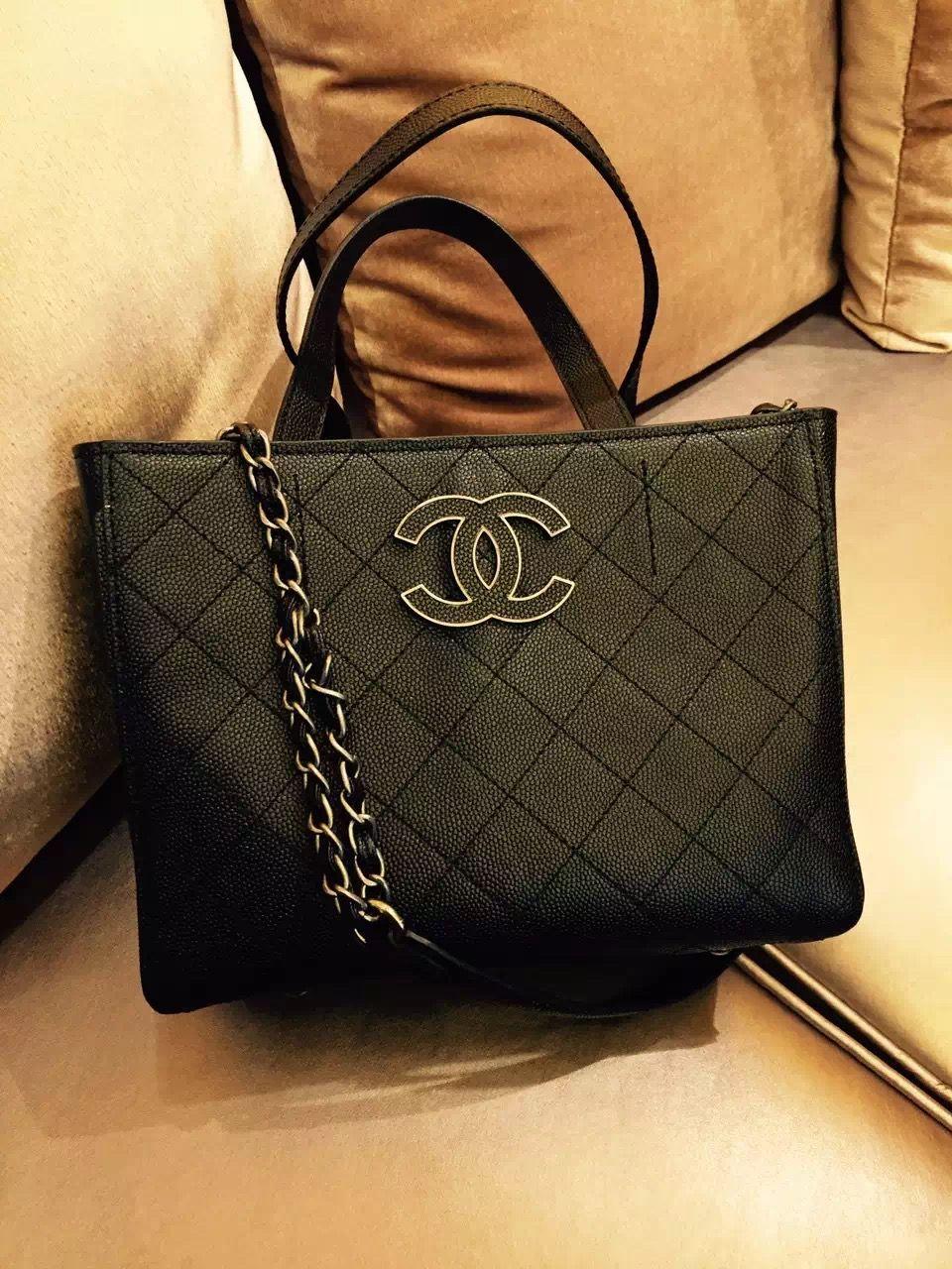 aee59208967c9c Chanel Hampton | Chanel | Chanel, Bags, Tote Bag