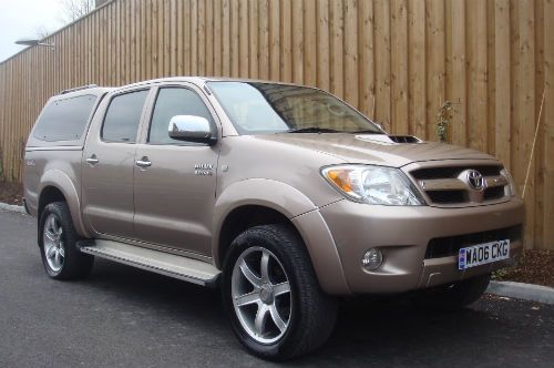 We Are Offering Toyota Cars Like Toyota Hilux 3 0 D4d 4 Door