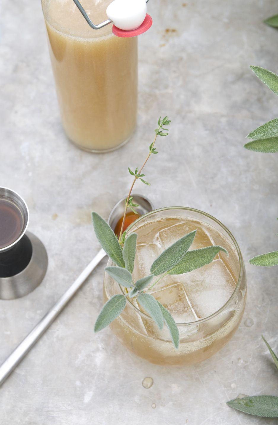 bourbon + spiced pear cocktail | holly & flora