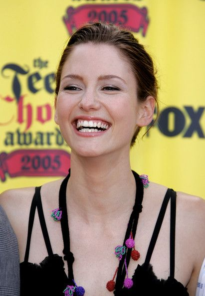 Chyler Leigh Photos - Actress Chyler Leigh arrives at the 2005 Teen Choice Awards held at Gibson Amphitheatre at Universal CityWalk on August 14, 2005 in Universal City, California. - 2005 Teen Choice Awards - Arrivals