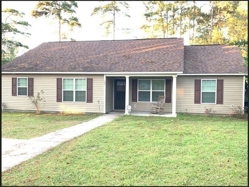 Icymi Houses For Rent In Thomasville Ga Homedecorapartmentrentingbedrooms Houses Icymi In 2020 Renting A House House Rental House