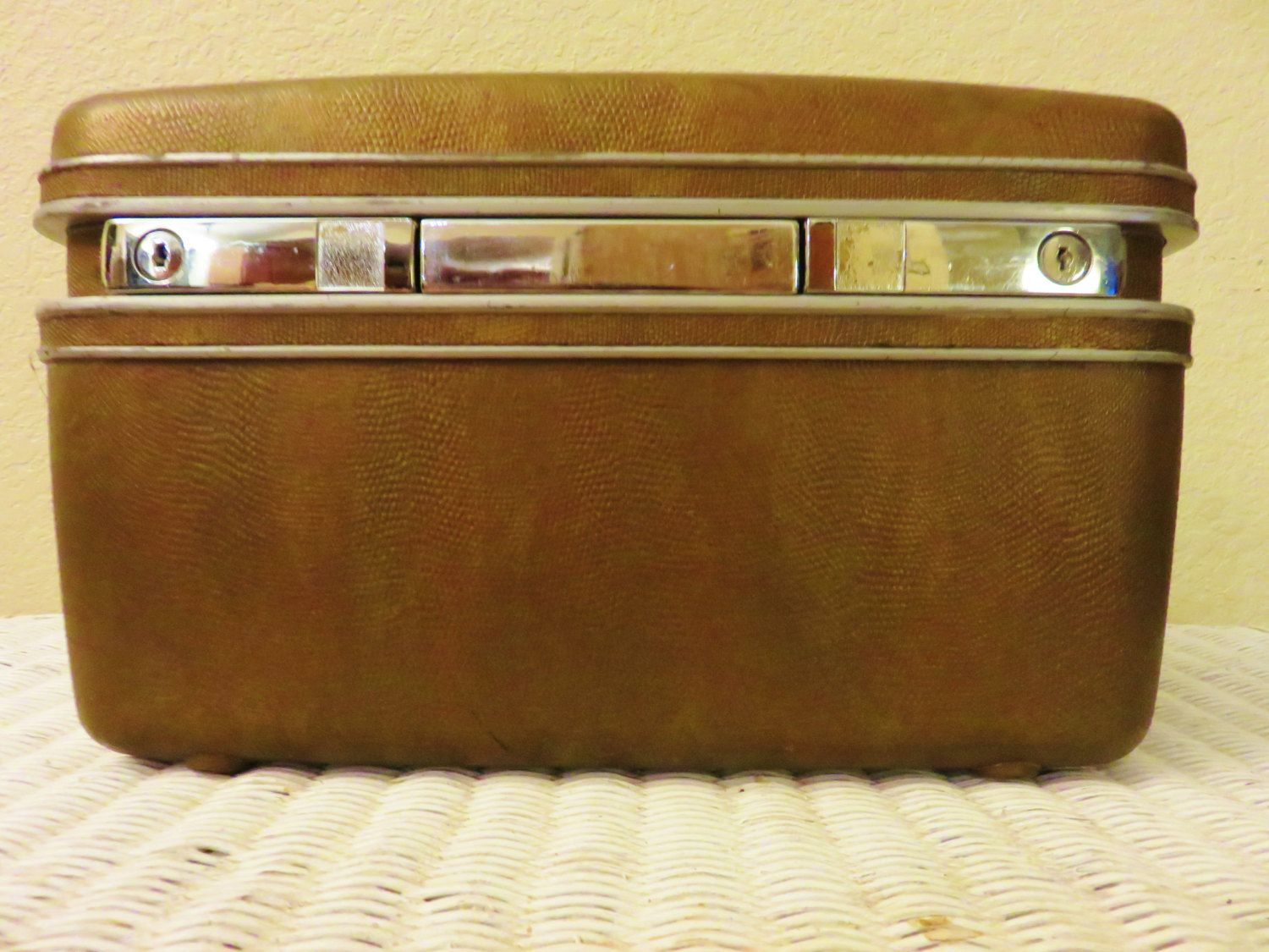 Vintage Train Case, Small Suitcase, 1960s Vintage Luggage, Hard Side Overnighter, Green Leather Carry Case, Cosmetic craft case by GinnysGirlsTreasures on Etsy
