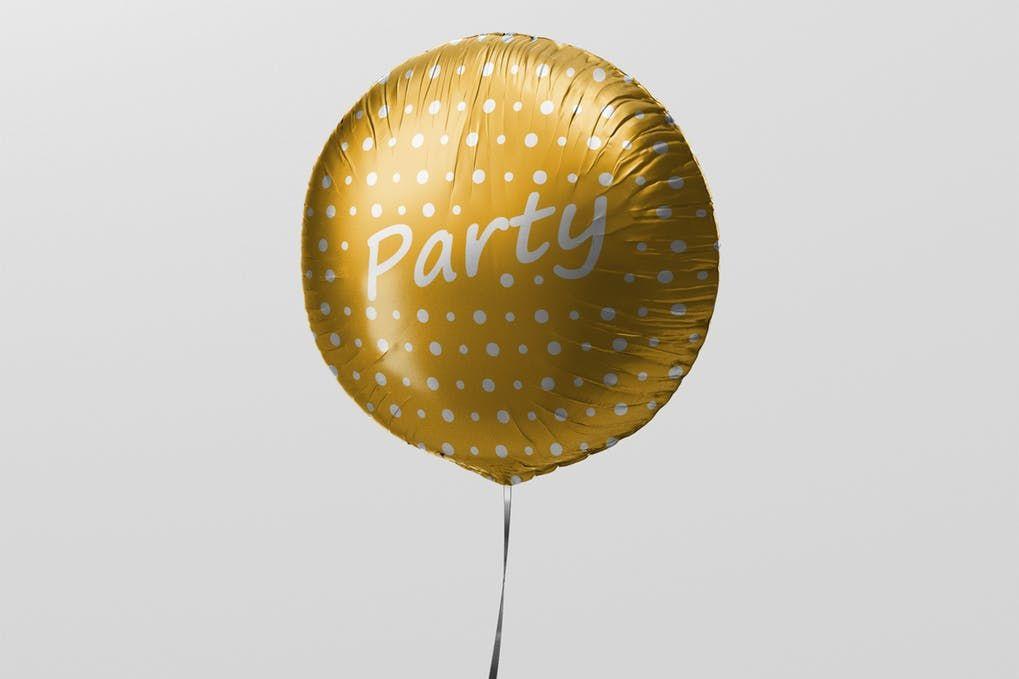 12 Cool Balloon Mockup Psd Templates Mockuptree Round Balloons Balloons Mockup