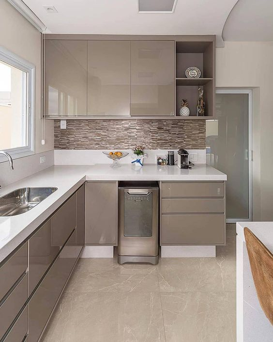 b5378db0e3f9 Кухня цвета капучино, особенности интерьера с фото   Кухня в 2019 г ...