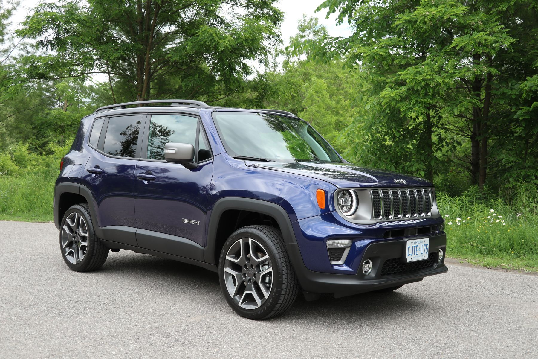 SUV Review 2019 Jeep Renegade Limited 4×4   Credit Jil ...