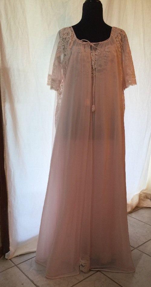 8508f8bb724 Vintage Nightgown Robe Pink Peignoir Lace Lacy Shadowline Medium Nylon   Shadowline
