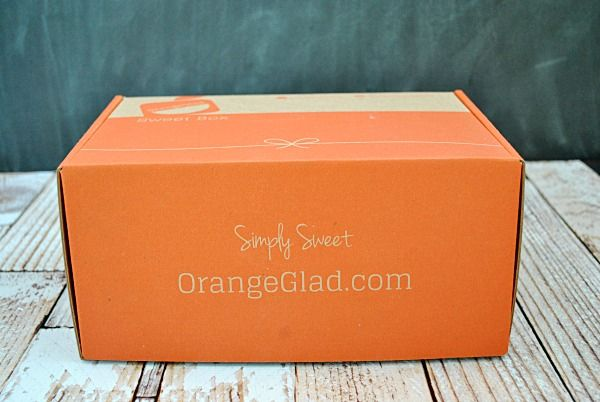 Get desserts from delicious bakeries nationwide delivered straight to your door! #orangeglad #dessert #subsciptionbox
