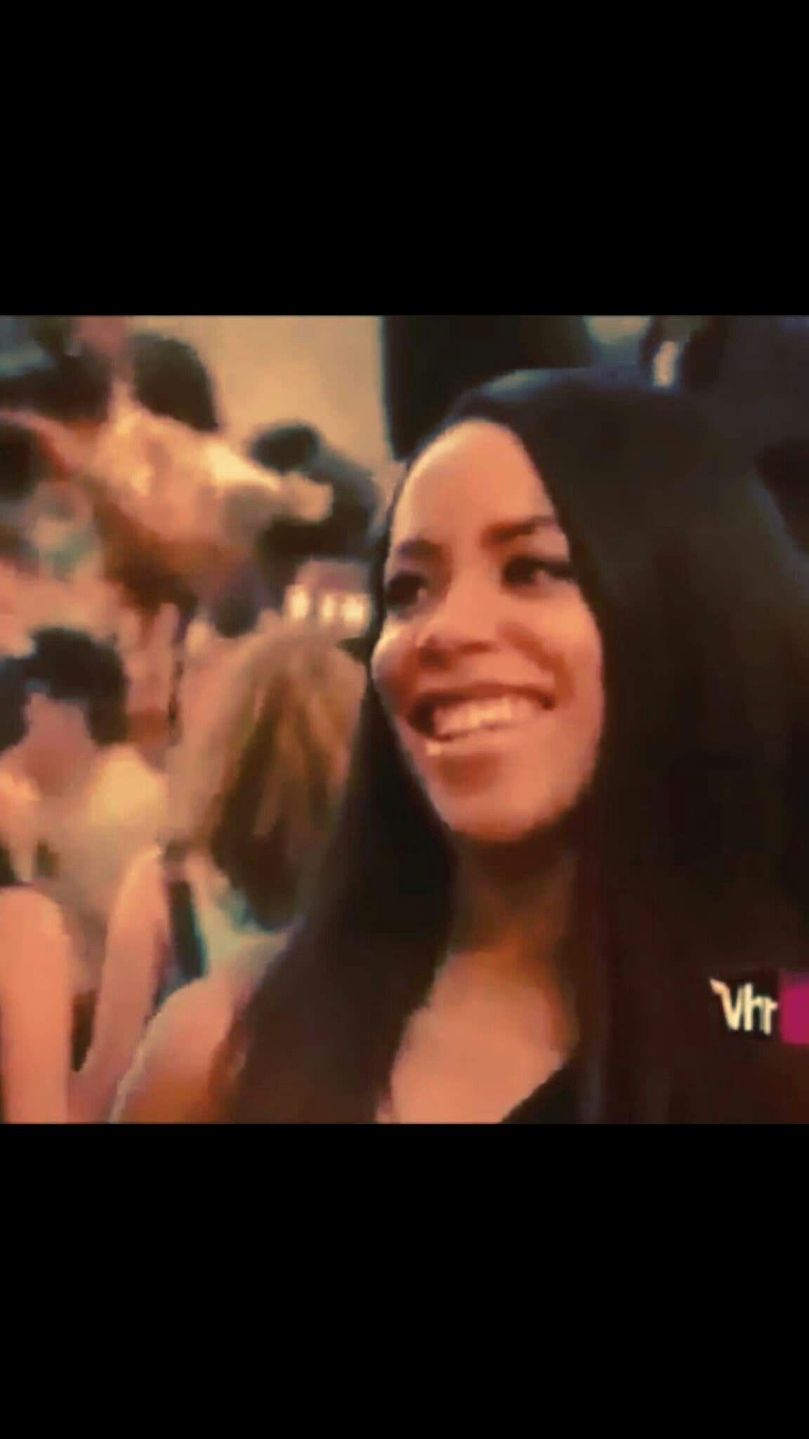 Look At That Beautiful Smile : beautiful, smile, Beautiful, Smile, Aaliyah, Smile,