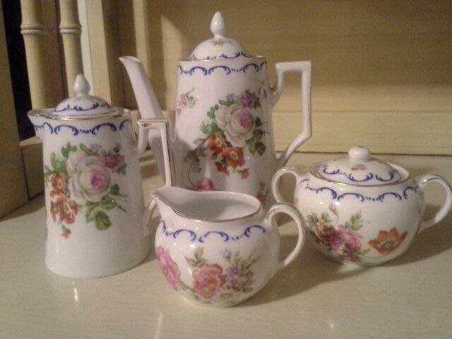 Floral Teapot with Sugar & Creamer with gold trim(4pc) Victoria Austria