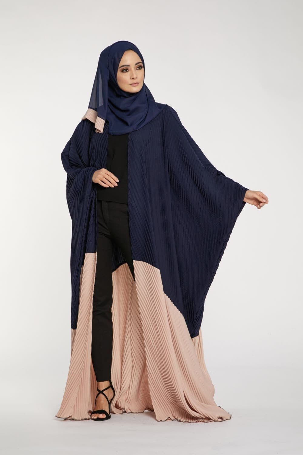 96b410182 ab08014min.jpg Abaya Fashion, Modest Fashion, Abaya Designs, Abaya Style,  Baju