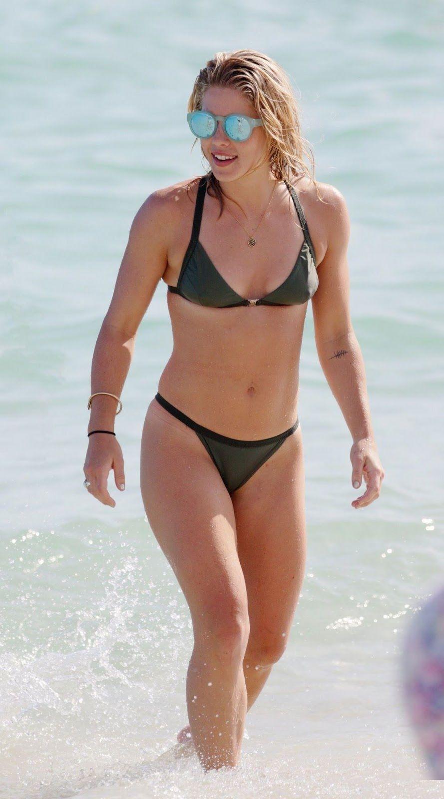Rickards emily bikini bett 35 Hottest
