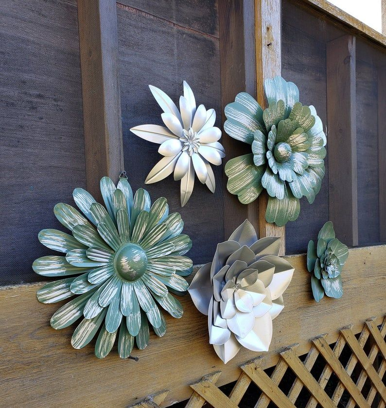 Flower Wall Decorshabby Chicbedroom Wall Decorflower Wall Etsy In 2020 Metal Flower Wall Decor Flower Wall Tin Can Flowers