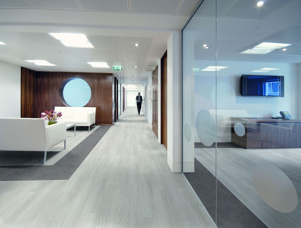 Expona Control Vinyl Flooring In White Oak 6505 And Warm Grey Concrete 7504 Flooring Options Best Flooring Luxury Vinyl Tile