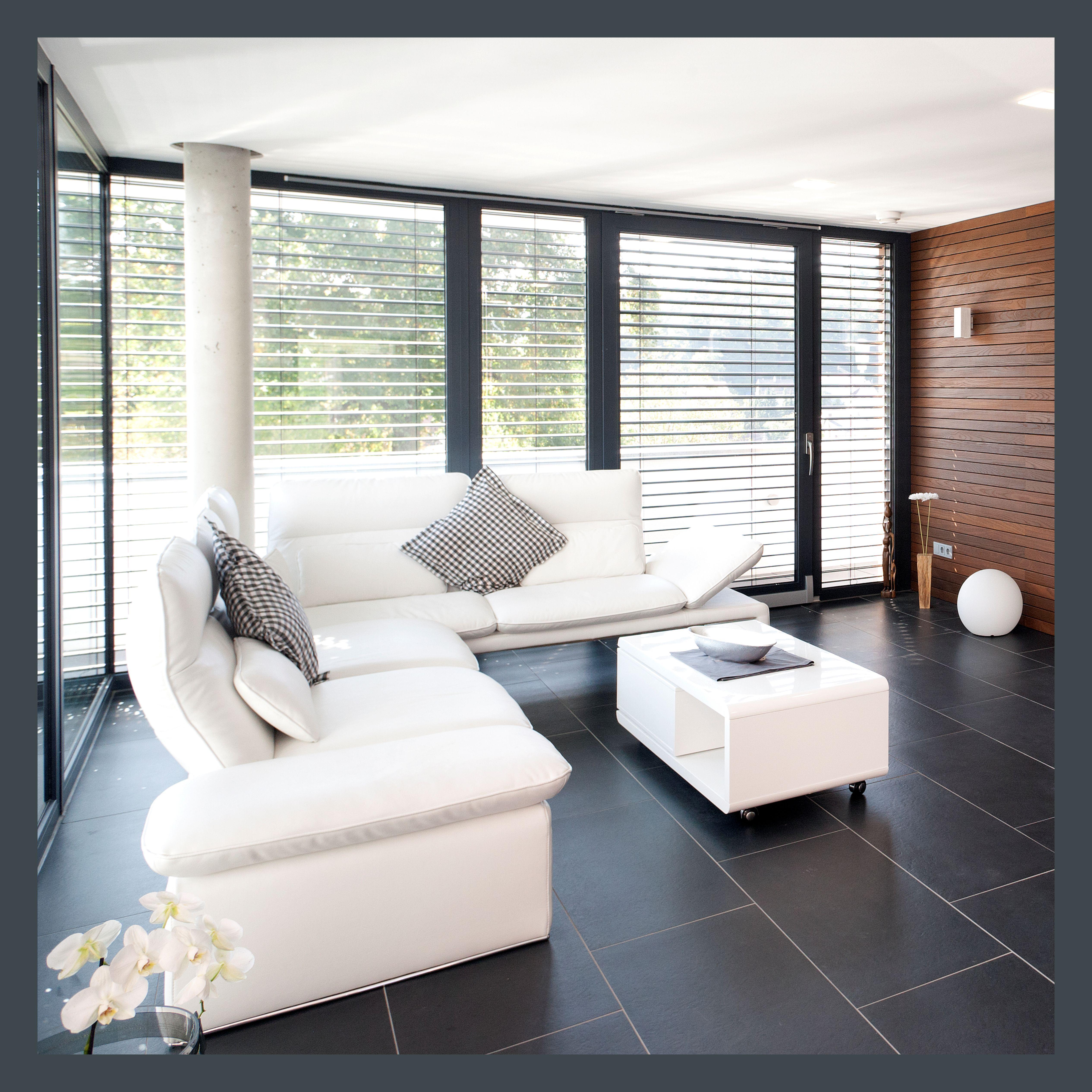 ein raum an der grenze zwischen innen und aussen ein ort der ruhe und des ausgleichs aber auch. Black Bedroom Furniture Sets. Home Design Ideas