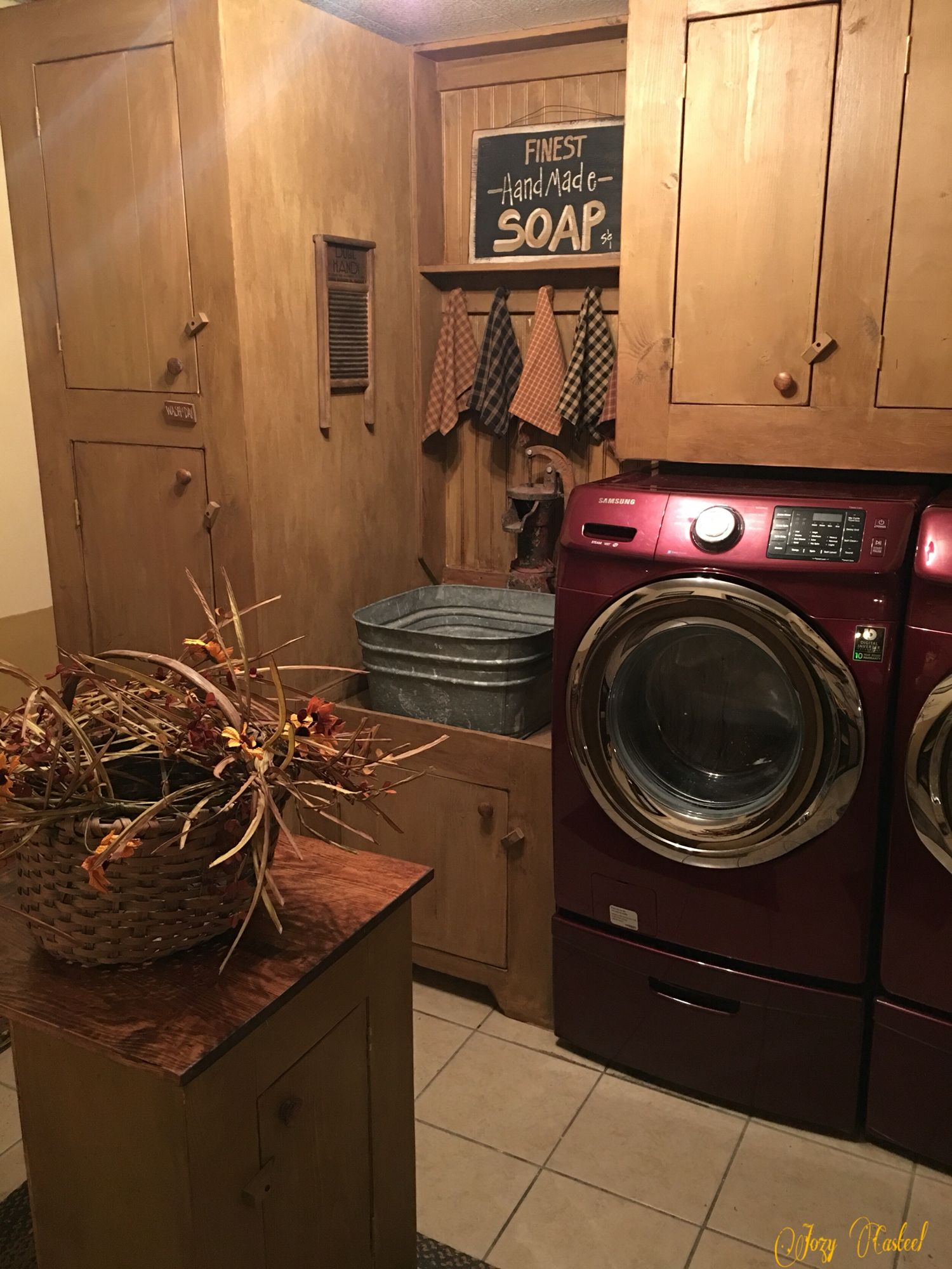 My primitive laundry room by jozy casteel pinteres for Country laundry room curtains